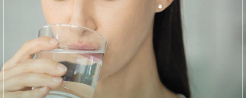 5 أعراض للجفاف ونقص الماء في الجسم